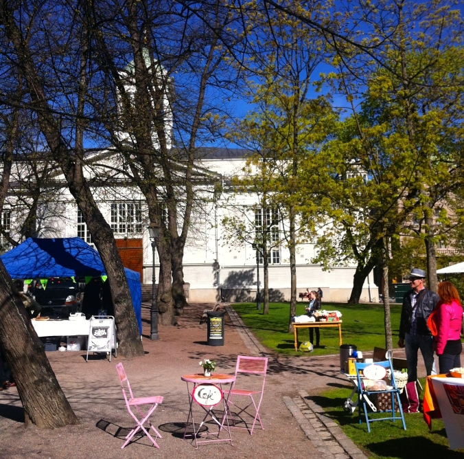Setting up in Vanhan Kirkon Puisto (Old Church Park)